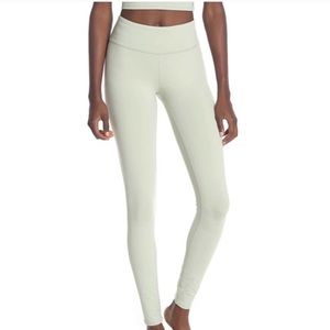 Alo Yoga High Waisted Airbrush Leggings Pistachio